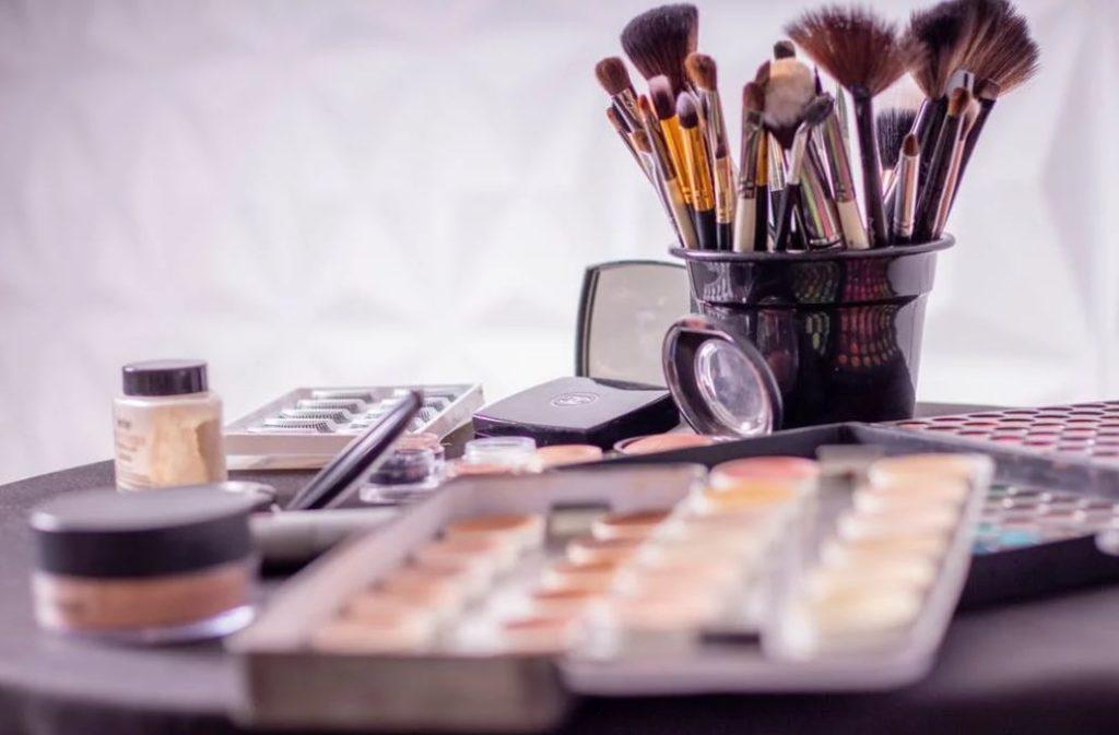 Bisnis Online Jasa Make Up